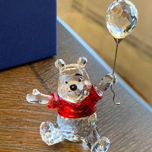 Swarovski Figurine- Disney's Pooh Bear w balloon
